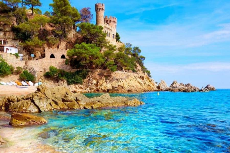 Lloret de Mar playa y castillo-alt